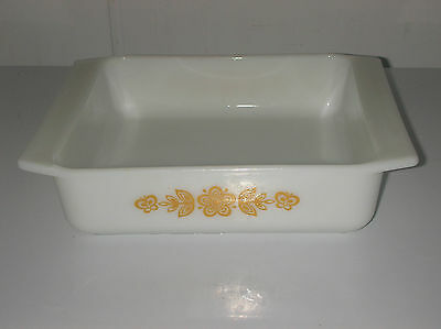 Vintage Pyrex Butterfly Gold 8x8 Brownie Pan #922