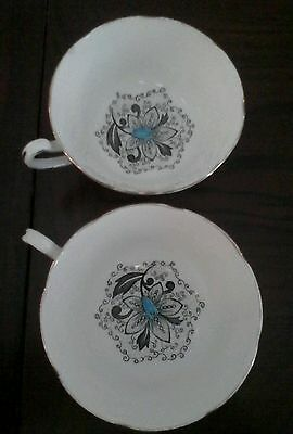 "(2 )ROYAL GRAFTON FINE BONE CHINA COFFEE / TEA CUPS ""MANTILLA"" PATTERN"