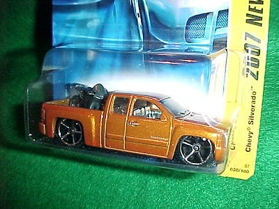 Hot Wheels 2007 NEW MODELS - Chevy Silverado with Motorcycle - OH5 Wheels