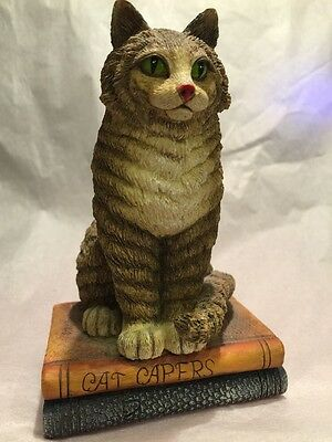 Lang Wise 99 Maine Coon Resin Cat On Books 60560101 Gorgeous George Loves Godiva