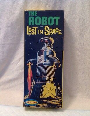 The Robot From Lost in Space Model Kit #5030 Polar Lights 1997