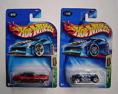 2  2004 TREASURE HUNT HOT WHEELS 1971 PLYMOUTH GTX  MEYERS MANX PROTECTOR CASES