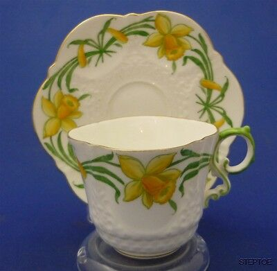 Fancy Aynsley England Hand Painted Daffs Bone China Tea Cup & Saucer Duo Set