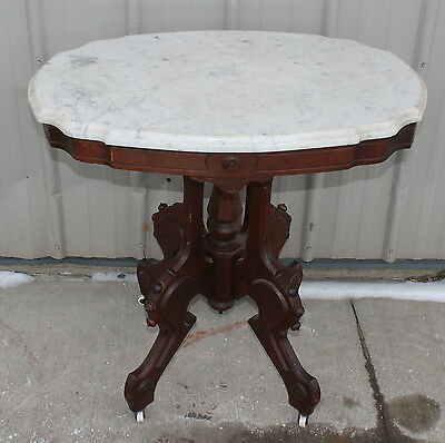 1870-80s WALNUT WHITE MARBLE TOP LAMP PARLOR TABLE STAND