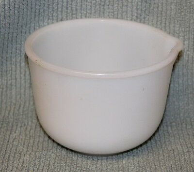 Vintage White glasbake sunbeam 20 CJ our Mixing Bowl with Spout