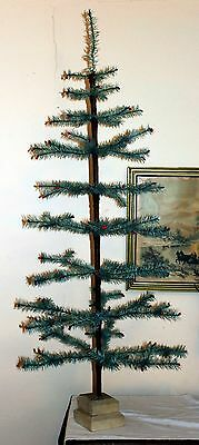 1920s Green Feather Tree, Simple Tiered Base. Wondeful Color, Berries. Germany