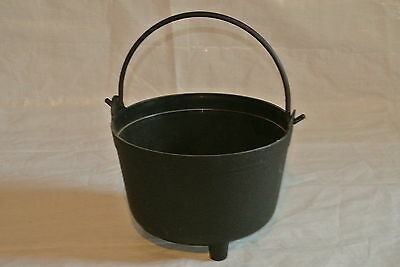 Plastic Witch's Cauldron with Feet