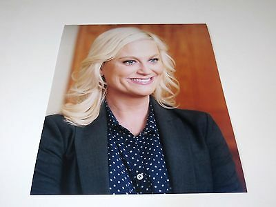 AMY POEHLER UNSIGNED PARKS AND RECREATION 8X10 PHOTO