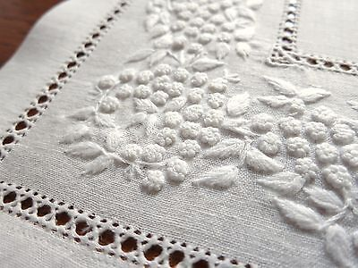 """Sferra FRENCH KNOT Hand Embroidery Linen 12 Placemats 14x19"""" Italian GENTLY USED"""