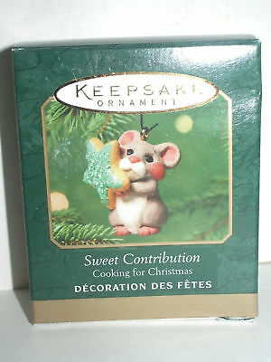 2001 Hallmark Miniature Cooking for Christmas SWEET CONTRIBUTION mouse cookie