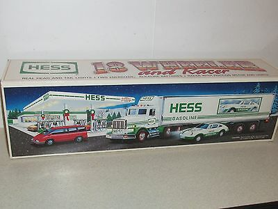 Vintage 1992 Hess 18 Wheeler And Racer Mib - Free Us Shipping!