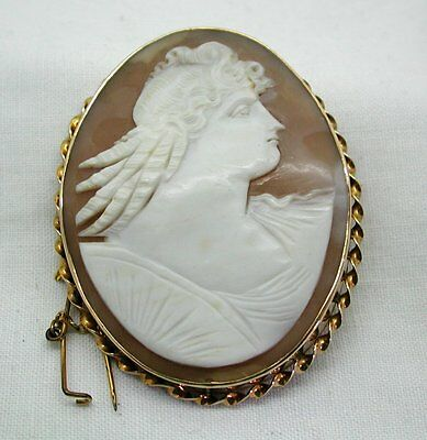 Antique Victorian Large 9ct Gold Carved Cameo Brooch