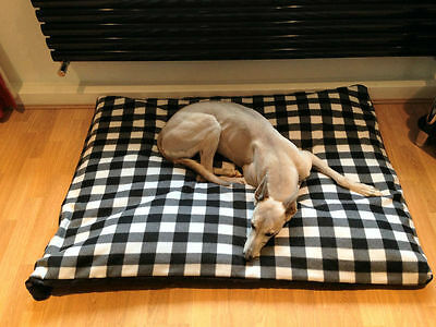 CosiPet® Extra Large Deluxe Waterproof Fibre Bonded Pad Black/White  Dog Bed