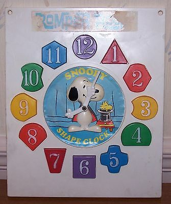 Snoopy Romper Room Shape Clock 1965 Hasbro Peanuts Gang puzzle toy vintage 60s