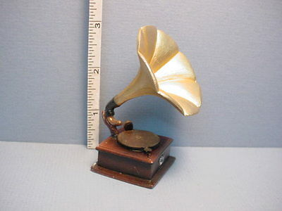 Dollhouse Miniature Gramophone - #T8532 Resin Made from Town Square 1/12th Scale
