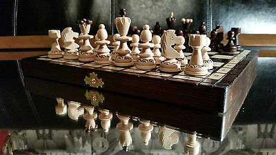 Beautiful ''pearl'' Wooden Chess Set ! Burnt Ornaments On Chessboard & Pieces !