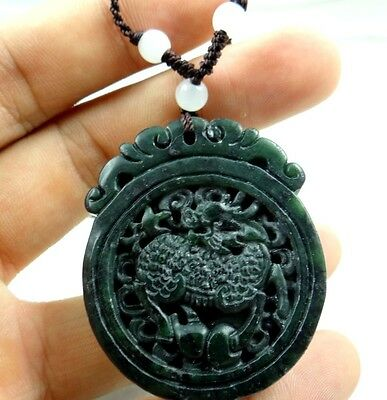 Beautiful Chinese jade hand-carved the statue of qilin PENDANT E-012