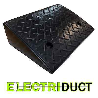 "Heavy Duty Rubber Curb Ramp - 4.3"" / 5.25"" - Electriduct"
