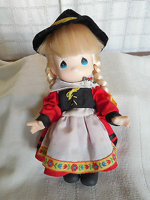 """Precious moments Children of the world Gretchen Germany doll 9"""""""