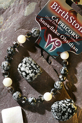 'CAPRICORN' Gemstone 'Power Bracelet' plus a free guide book & bookmark.