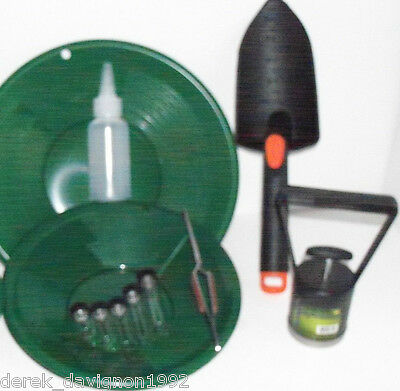 "SE14  Green 14"" & 8"" Gold Pans & Gold Pan Panning Kit"