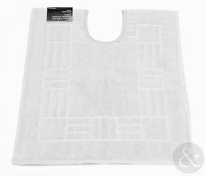 Soft Bathroom Pedestal Mat in White - 100% Egyptian Cotton - Washable