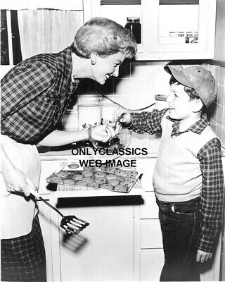 Leave It To Beaver June Cleaver-Mom Baking Chocolate Chip Cookie Photo Americana
