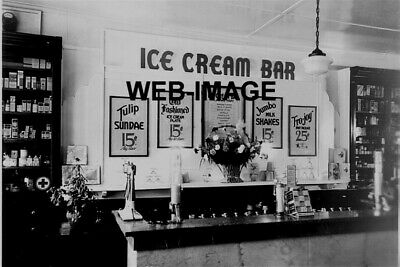 1920's VINTAGE ICE CREAM BAR SODA FOUNTAIN CAFE COCA-COLA 8X12 PHOTO AMERICANA