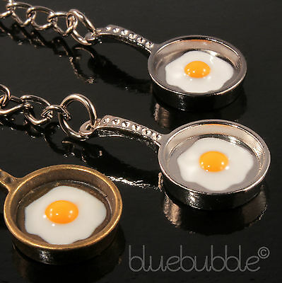 FUNKY FRYING PAN FRIED EGG KEYRING 50s DINER BREAKFAST COOL FUN KITSCH FOOD GIFT