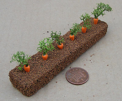 1:12 Scale Strip Of 6 Carrots Dolls House Miniature Vegetable Garden Accessory