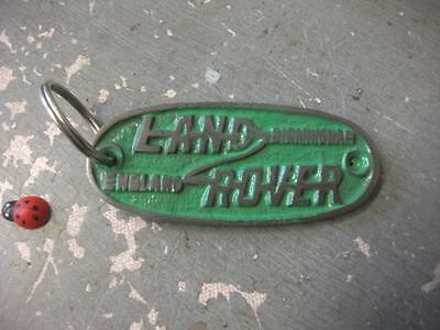 land rover - CAST IRON - keyring . small  75mm green