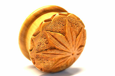 Shisham Wood  Grinder/Crusher 2-Part Carved Hemp Leaf on Top 1st Class Quality