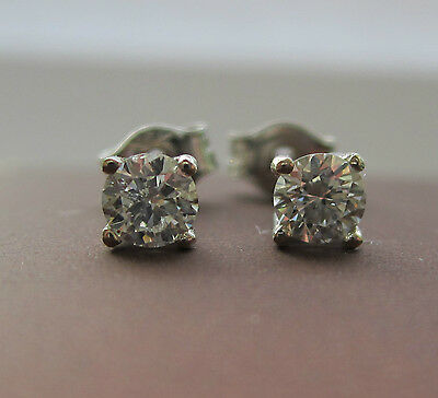 Brand New 1/5ct Diamond 9ct White Gold Stud Earrings £99.99 Freepost
