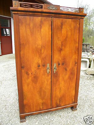 1810 orig. unrest. BIEDERMEIER EMPIRE SCHRANK Nuss furniert 100% original Wien