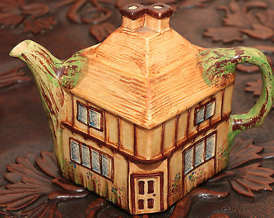 Vintage House Ware / English Cottage Tea Pot - collectible item SKU15004