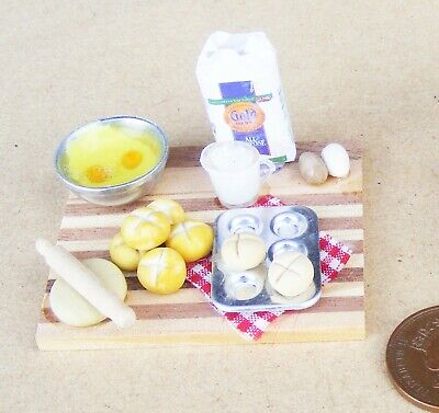 1:12 Scale Bread Cake Baking Set Dolls House Miniature Kitchen Cooking Accessory