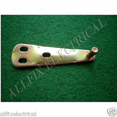 Used Whirlpool Fridge WBM39LW Upper Door Hinge - Part # 004182235SH