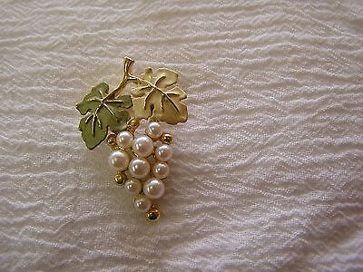 Grape Vine Cluster Seed Pearl Gold Yellow Green Leaves Wine Grapes Pin Brooch J2