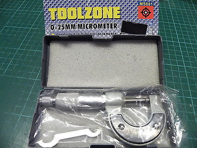 0 - 25mm Micrometer in Plastic Case with adjustment tool Toolzone Steel 081 K3