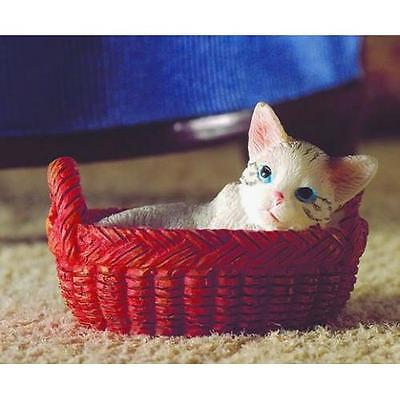 Miniature Kitten in Basket for 12th Scale 7335