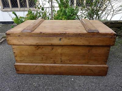 Beautiful Victorian Antique Rustic Solid Pine Carpenters Tool Chest/Coffee Table