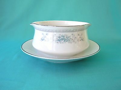 American Limoges Bridal Bouquet Round Gravy Boat Salem Heritage Collection