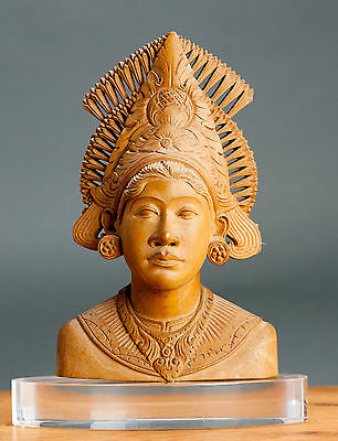 Beautiful! 20th c Balinese Statue Carved Wood Statue Lady