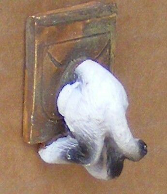 1:12 Scale A Dolls House Miniature Resin Cat In A Flap Garden Pet Accessory