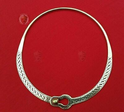 Simple Roman Torc necklace jewellery from 4thC found in Gaul