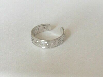 "Adjustable Sterling Silver Ring For Finger Or Toe ""xo""design 5Mm Wide Nice!"