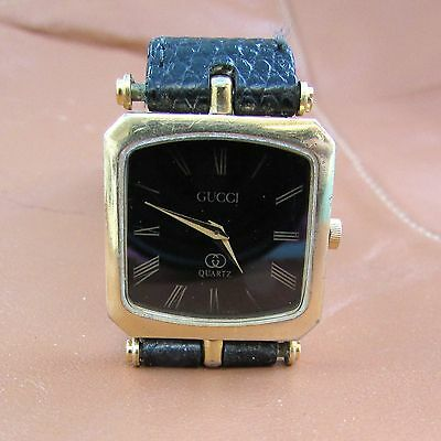 Square Face Genuine Gucci Ladies Watch Swiss Quartz Movement With Leather Band