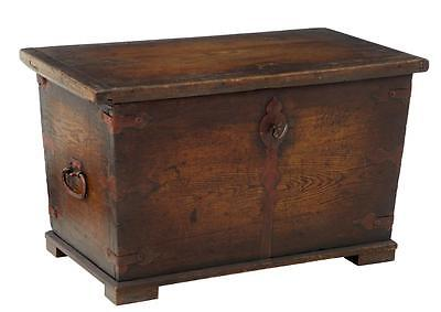 18Th Century And Later Continental Oak Box