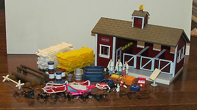 Breyer Stablemate Barn and 75 Piece Accessories!