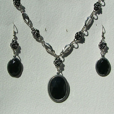 Victorian Style Black Dark Silver Plated Rose Necklace Earrings Set Rs